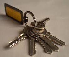 This image has an empty alt attribute; its file name is keys.png